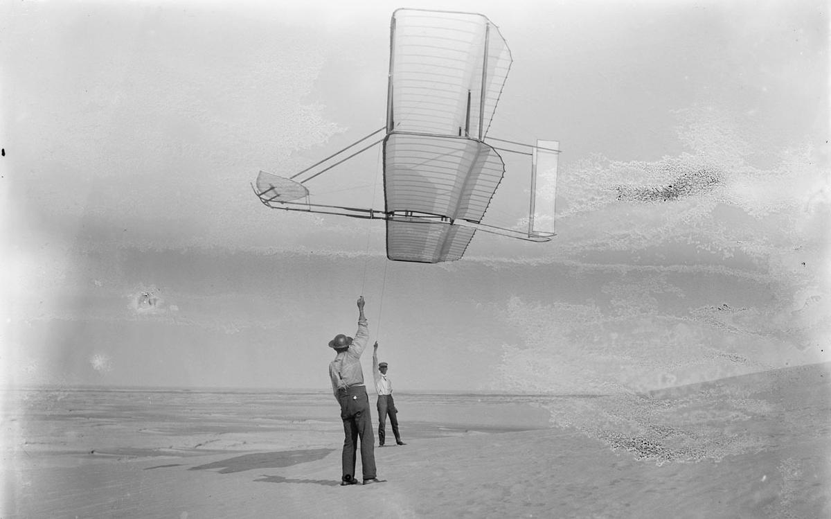First Wright Brothers Flight with history of the outer banks & the wright brothers   first flight
